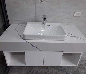 ban-da-lavabo-gia-re